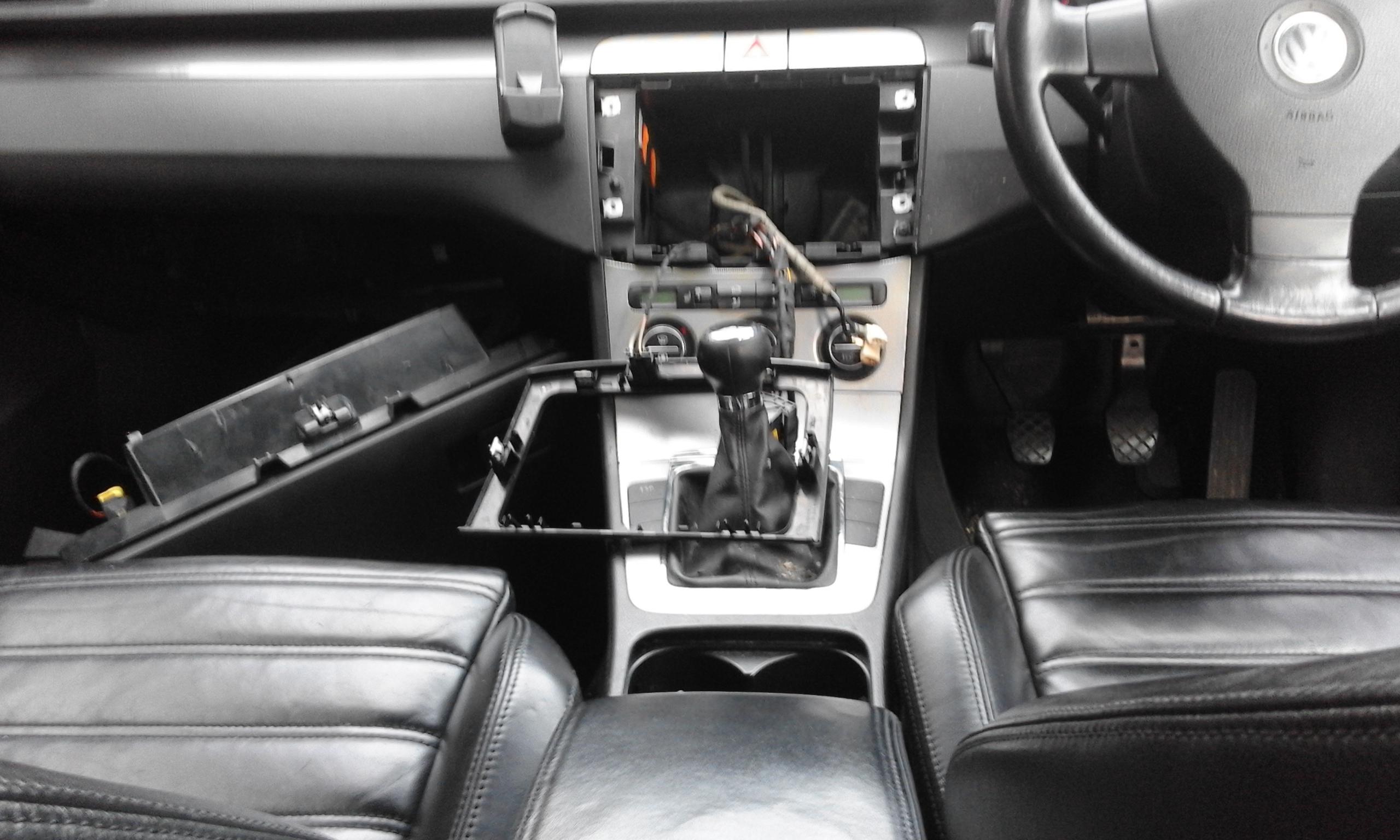 VW PASSAT SPORT TDi 140 BREAKING FOR PARTS v.